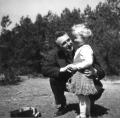 Czesław Jankowski z wnuczką Ewą