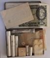 Apteczka cichociemnego, złożony spis zawartości i banknot 500 zł