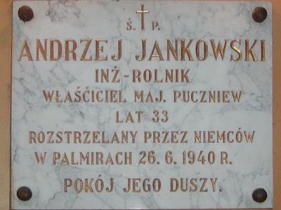 Tablica pamiątkowa w kościele w Małyniu. Fot. Piotr Kieruzal