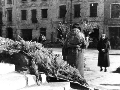 Wielkanocne bazie, 1945