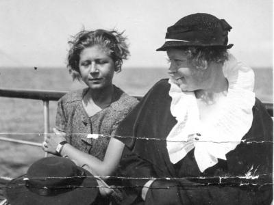 Elżbieta Jankowska z córką Marią, lata 1930-te