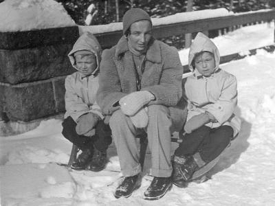 Hanna Jankowska z synami, Szklarska Poręba 1954