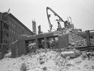 Rozbiórka pod budowę MDM, zima 1951