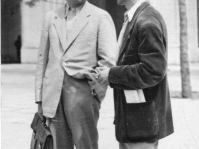 """Jan Knothe i SJ na """"swoim"""" pl. Konstytucji, lato 1952"""