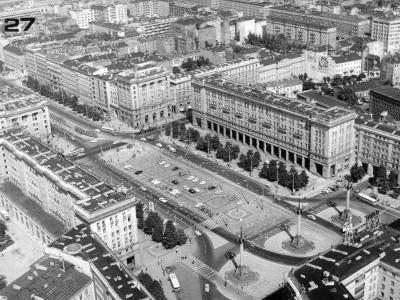 Zdjęcie lotnicze pl. Konstytucji, ok. 1960