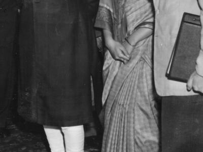 Od lewej: J. Nehru, I. Gandhi i SJ