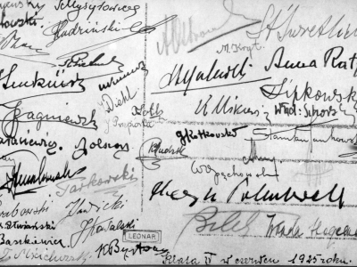 Podpisy na odwrocie poprzedniego zdjęcia